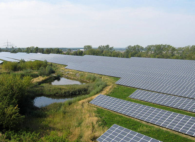 File:GEOSOL Solar Power Plant Leipziger Land Germany.JPG