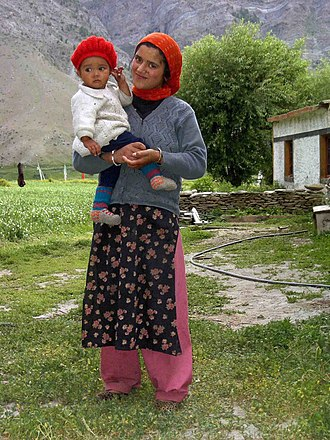 Lahaul and Spiti district - Mother and child near Gandhola Monastery, 2004