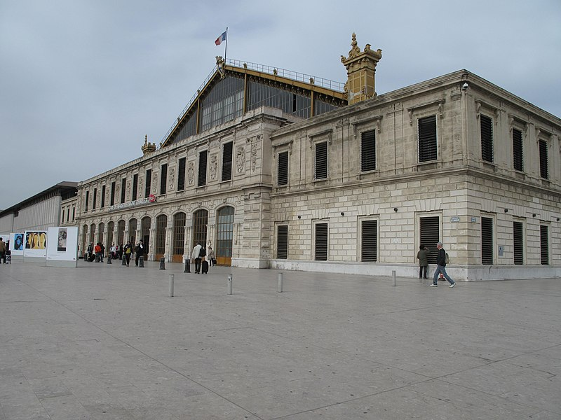 File:Gare Marseille-Saint-Charles D140330 1.jpg