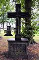 Georg Spangenberg Grabmal auf dem Gartenfriedhof in Hannover, Blick in Richtung Warmbüchenstraße.jpg