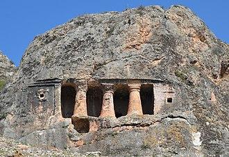 Rock-cut tomb - Image: Gerdek Rock Tomb front detail, Hellenistic period, 2nd century BC, district of Çorum, Turkey