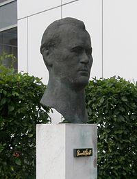Gerhard Rommel - Büste Arnold Graffi.jpg