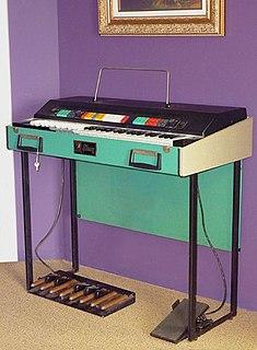 Gibson G-101 Portable electronic organ