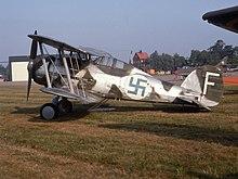 220px-Gloster_Gladiator%2C_J_8.jpg