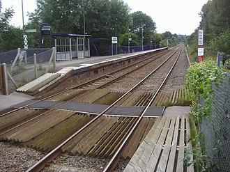 Gomshall railway station - Image: Gomshall railway station platform 2 in 2008