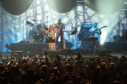 Googoosh in at the Air Canada Centre in Toronto Googoosh in concert.jpg