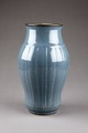 Gråblå vas gjord i Kina på 1800-talet - Hallwylska museet - 96131.tif