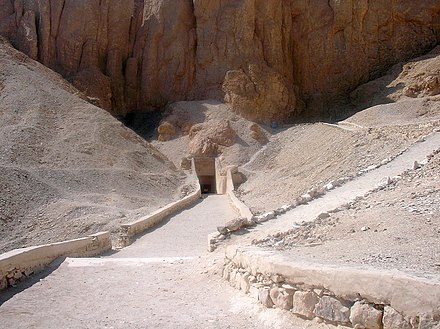 The entrance to KV19, tomb of Mentuherkhepeshef in the Valley of the Kings Grabeingang-Tal der Konige-Aegypten.jpg