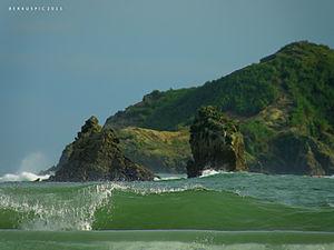 Green sea at Manuel Antonio Beach, Costa Rica
