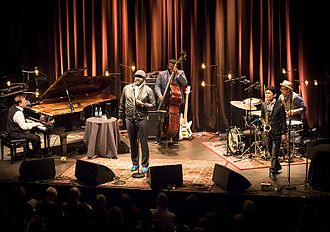 Gregory Porter - Porter in concert with his regular band at Cosmopolite club in Oslo, 2016