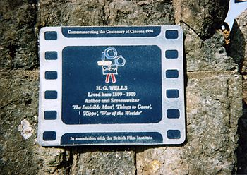 English: Plaque commemorating H.G. Wells.