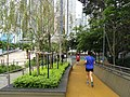 HK Ap Lei Chau Wind Tower Park 鴨脷洲風之谷公園 visitors 緩跑徑 Jogging track April-2012.JPG