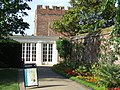 Hampton Court Palace - geograph.org.uk - 1926781.jpg