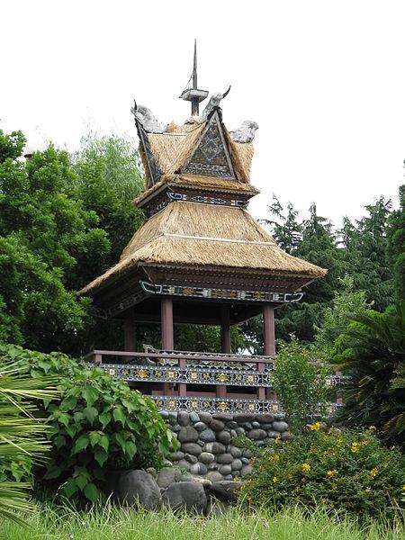 File:Hanahakukinenkoen Kokusaiteien Indonesia.jpg