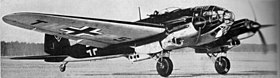 Un Heinkel He 111 H, TH+P5, al decollo.