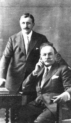 Hermanos Álvarez Quintero.JPG