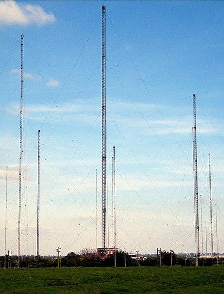 File Hillmorton Radio Masts Jpg Wikimedia Commons