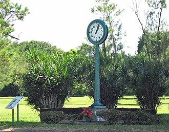 Hawaii Belt Road - 1960 Tsunami memorial clock