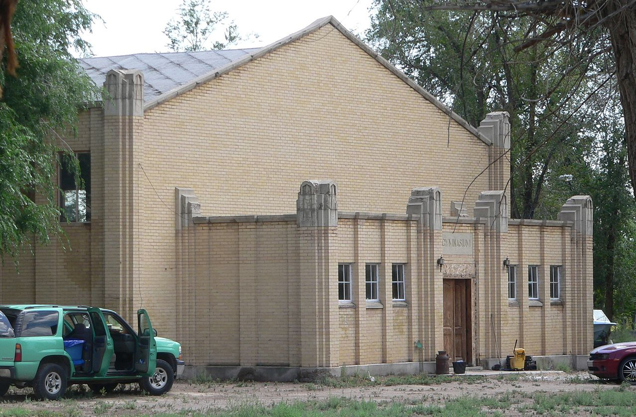 File:Hinckley, Utah HS gym from NW 1.JPG - Wikimedia Commons