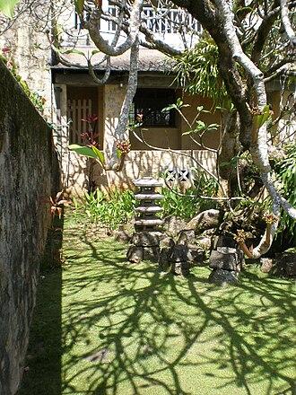 Lihiwai - Image: Honolulu Lihiwai frontgarden