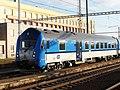 Hrušovany u Brna, železniční stanice, vůz 80-30 002 (03).jpg