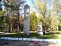 II maailmasõjas hukkunute ühishaud Siimusti kalmistul.jpg