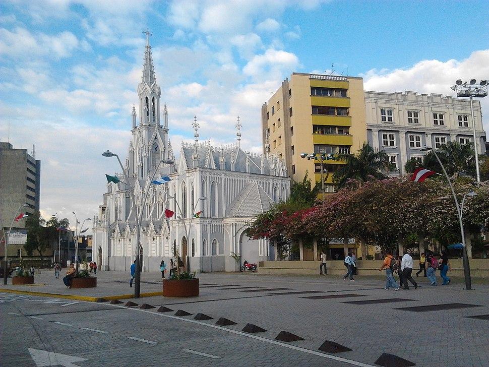 Iglesia la Ermita en un dia de agosto