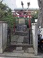 Inari Shrine (稲荷神社) - panoramio (12).jpg