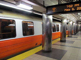 Haymarket station (MBTA) - Inbound Orange Line train at Haymarket