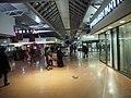 Interior of shopping centre Columbus.jpg