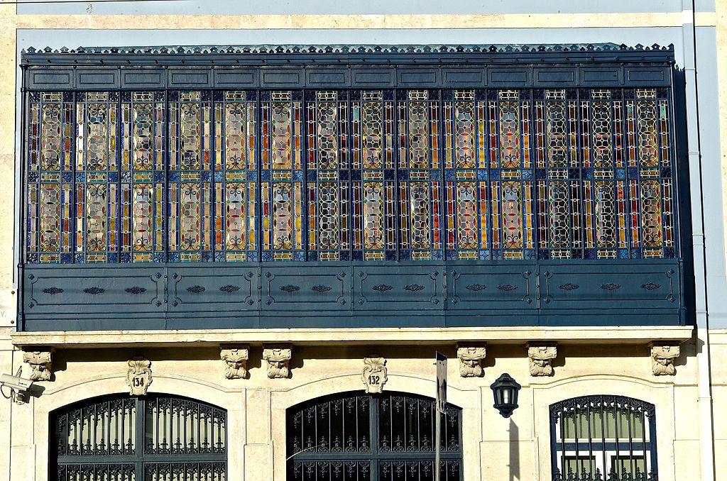 Fenêtres art nouveau R. da Escola Politécnica dans le quartier de Principe Real à Lisbonne - Photo de Pedro Ribeiro Simões