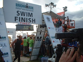 English: Ironman Australia swim finish Italian...