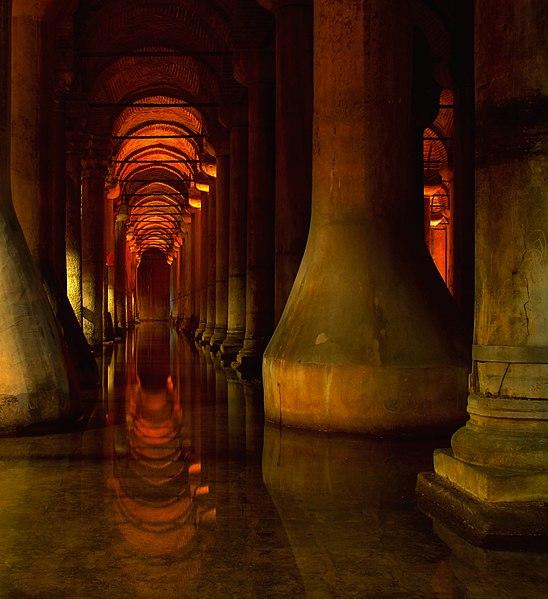Dosya:Istanbul Basilica Cistern 2009.JPG