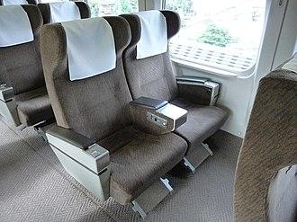 300 Series Shinkansen - Image: JRC Shinkansen Series 300 Seats of Green car