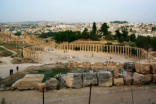 Forum of Gerasa (Jerash in present-day Jordan), with columns marking a covered walkway (stoa) for vendor stalls, and a semicircular space for public speaking Jerash BW 12.JPG
