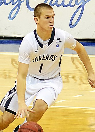 Johnny Dee (basketball) - Dee with San Diego in 2013