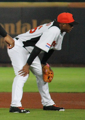 Jonathan Schoop on March 2, 2013.jpg