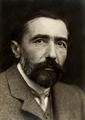 Joseph Conrad 1904.png