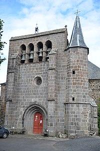 Joursac Façade de l'église Saint-Etienne.JPG