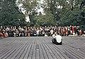 Juhla Kansallismuseon pihalla - XLVIII-938 - hkm.HKMS000005-km0000m2kw.jpg