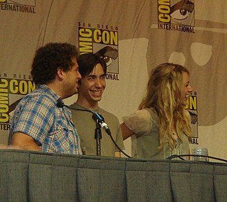Justin Long - (left-right) Jonah Hill, Long, and Blake Lively promoting Accepted at Comic-Con in 2006