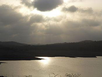 Kamleshwar dam reservoir, Gir Gujarat.jpg