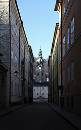 Kapitelgasse Stiftskirche St Peter Salzburg 2014 a.jpg