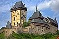 Karlstejn castle - panoramio.jpg