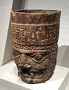 Kero (beaker shaped vessel), Peru, Andes, Huari or Tiwanaku, 600-800 AD, wood - De Young Museum - DSC00386.JPG