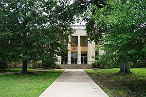 Kilgore College - Image: Kilgore College May 2016 06 (Old Main Building)