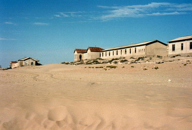 File:Kolmanskop Namibia 1995.jpg