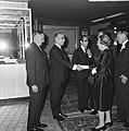 Koningin Juliana en prins Bernhard aanwezig bij premiere van film Elsa de Leeuw, Bestanddeelnr 919-3533.jpg
