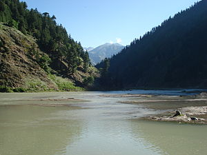Kunhar river in Naran valley of Pakistan.jpg
