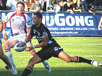 Benji Marshall - Marshall running the ball in a match against the Newcastle Knights in 2009.